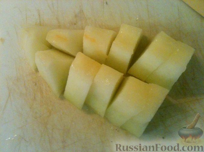 Фото приготовления рецепта: Дынный смузи с клубникой - шаг №2