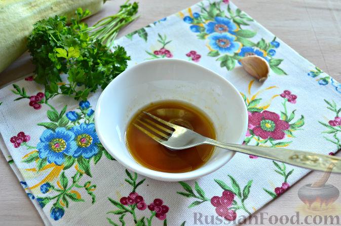 Фото приготовления рецепта: Щи из свежей капусты с пшеном и свининой - шаг №14
