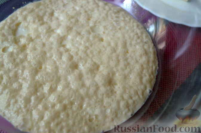 Фото приготовления рецепта: Дрожжевой пирог с нектаринами - шаг №3