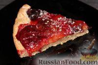 """Фото к рецепту: Цельнозерновой пирог """"Яркий вкус"""" со сливами"""