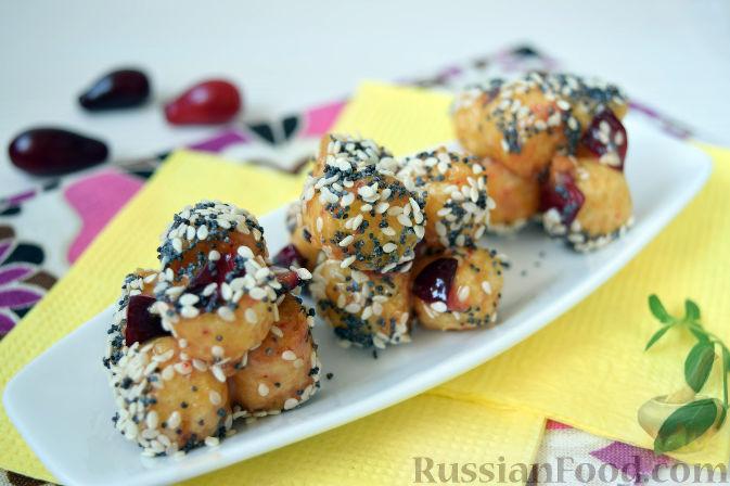 Фото к рецепту: Конфеты из кизила и кукурузных палочек