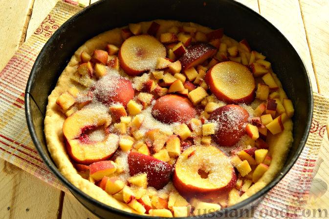 Фото приготовления рецепта: Пирог с персиками - шаг №10