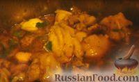 Фото к рецепту: Курица в пряно-чесночной подливе