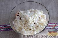Фото приготовления рецепта: Салат «Освежающий» со сметаной и хреном - шаг №5
