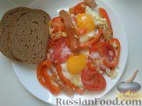 Фото к рецепту: Яичница с сосисками