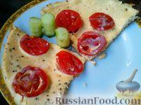Фото к рецепту: Омлет на кефире, с помидорами