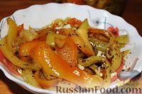 Фото к рецепту: Маринованный печеный перец