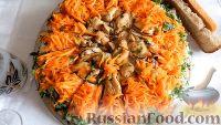 Фото к рецепту: Печёночный торт с грибами и мидиями