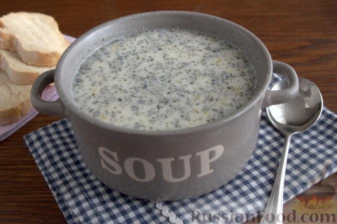Фото к рецепту: Крем-суп с кольраби и плавленым сырком
