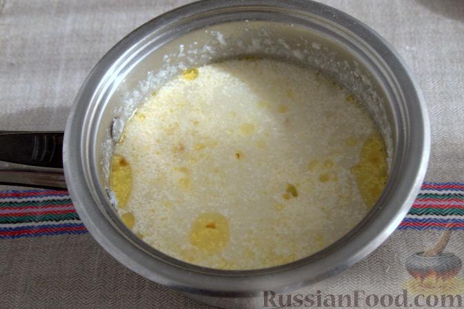 Фото приготовления рецепта: Крем-суп с кольраби и плавленым сырком - шаг №6