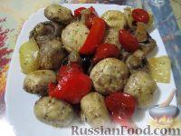 """Фото к рецепту: Овощное рагу с шампиньонами """"Грибная поляна"""""""