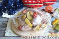 Фото приготовления рецепта: Курица, запеченная целиком, в духовке - шаг №5