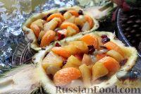 Фото к рецепту: Фруктовый салат в ананасе