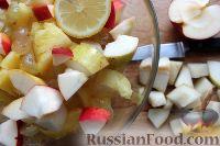 Фото приготовления рецепта: Фруктовый салат в ананасе - шаг №6