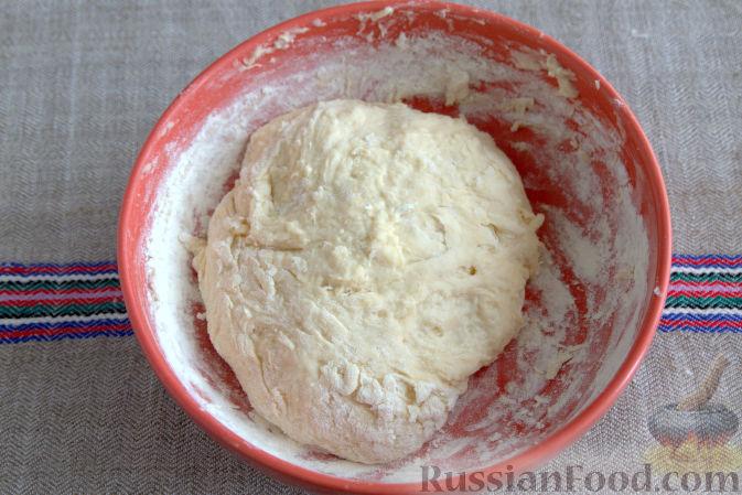 Фото приготовления рецепта: Открытый пирог с брусникой и яблоком - шаг №4