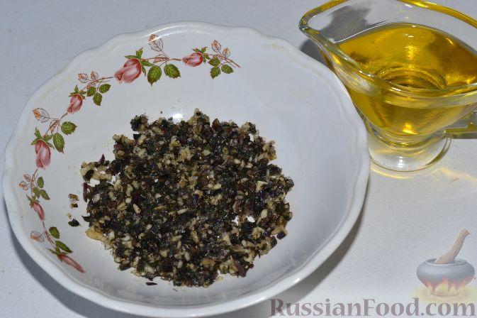 Фото приготовления рецепта: Маринованные помидоры черри с базиликом - шаг №5