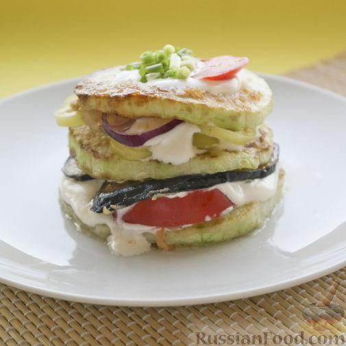 Фото приготовления рецепта: Картофельная запеканка с мясным фаршем, грибами и сыром - шаг №8