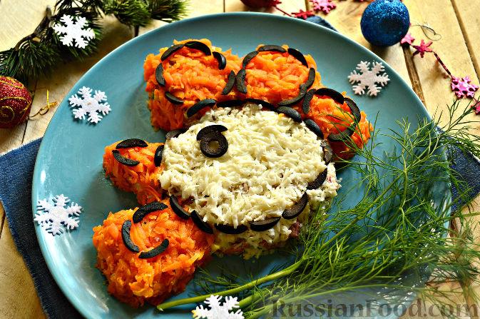 Фото к рецепту: Салат «Петушок - Золотой Гребешок» с копченой колбасой