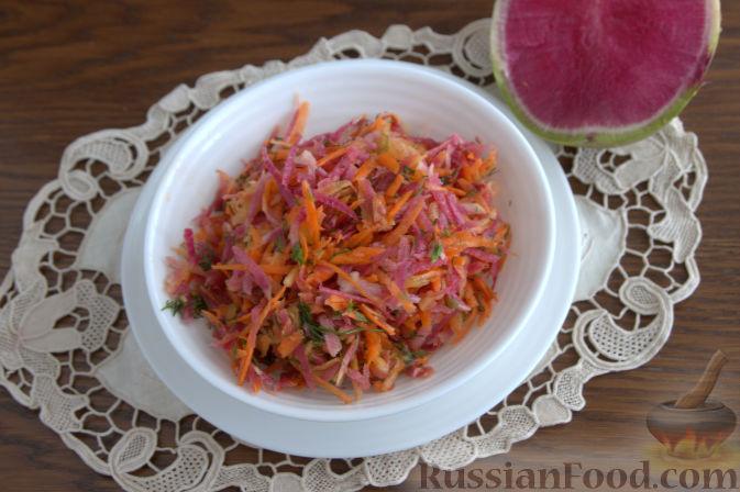 Фото приготовления рецепта: Салат с редькой и тыквой - шаг №9