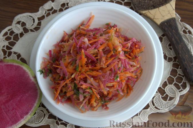 Фото к рецепту: Салат с редькой и тыквой