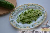 Фото приготовления рецепта: Праздничный салат «Три поросенка» для детей - шаг №5