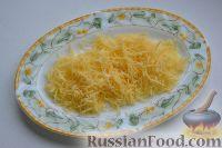 Фото приготовления рецепта: Праздничный салат «Три поросенка» для детей - шаг №8