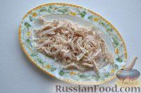 Фото приготовления рецепта: Праздничный салат «Три поросенка» для детей - шаг №2