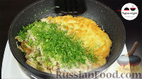 """Фото приготовления рецепта: Картофельные драники с курицей """"Семейные"""" - шаг №4"""
