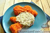 Фото приготовления рецепта: Салат «Петушок - Золотой Гребешок» с копченой колбасой - шаг №10