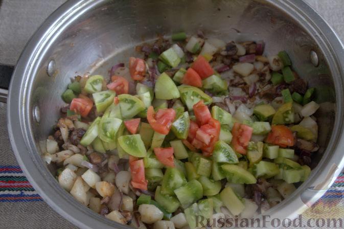 Фото приготовления рецепта: «Осеннее» рагу с топинамбуром, грибами и фасолью - шаг №4