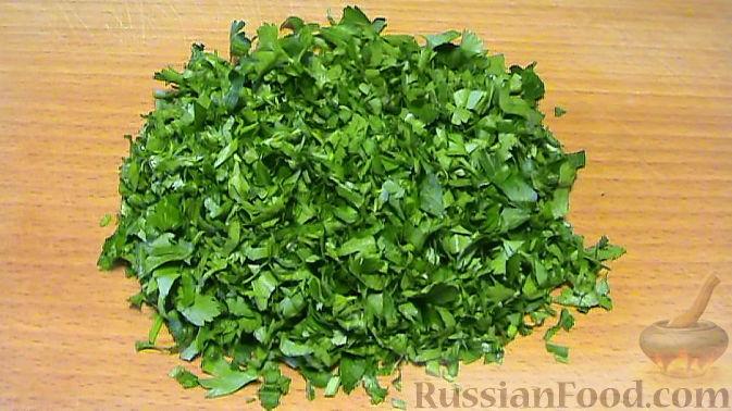 Фото приготовления рецепта: Салат по-корейски с зелёными помидорами и морковью - шаг №5