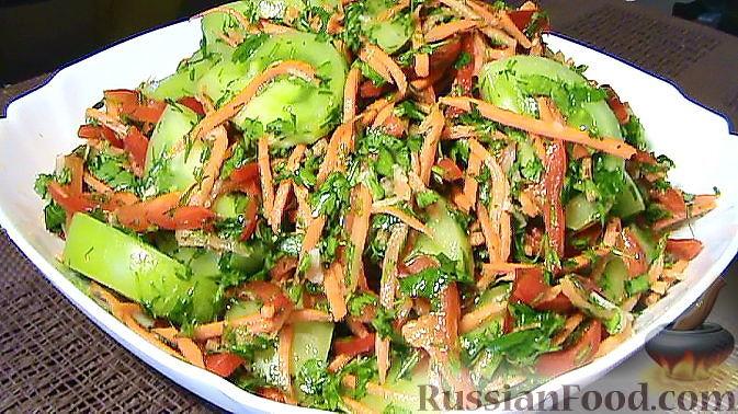 Фото приготовления рецепта: Салат по-корейски с зелёными помидорами и морковью - шаг №8