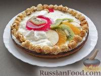 """Фото к рецепту: Торт """"Петух"""" с зимними фруктами"""