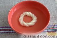 Фото приготовления рецепта: Симит (турецкий бублик с кунжутом) - шаг №9