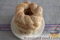 Фото приготовления рецепта: Симит (турецкий бублик с кунжутом) - шаг №11