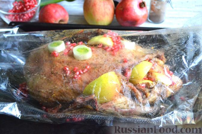 Фото приготовления рецепта: Утка праздничная - шаг №6