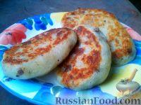Фото к рецепту: Картофельные котлеты с брынзой и языком