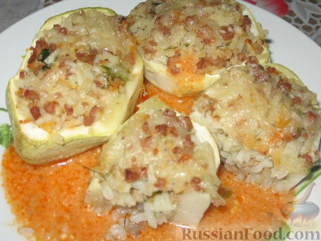 Фото приготовления рецепта: Патиссоны, фаршированные рисом и мясом - шаг №7