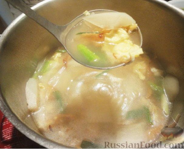 Фото приготовления рецепта: Суп из сушеной рыбы по-корейски (букогук) - шаг №4