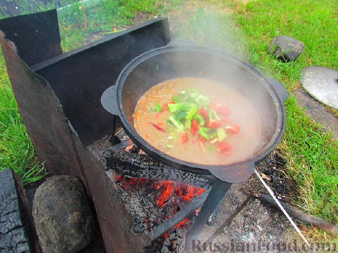 Фото приготовления рецепта: Шурпа под дождём :) - шаг №11