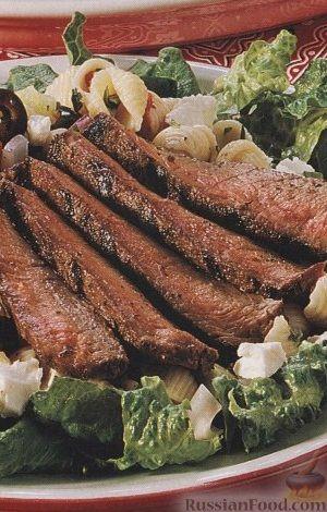 Рецепт Салат из макарон с жареным на гриле мясом