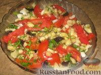 Фото к рецепту: Салат из баклажанов и помидор