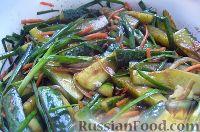 Фото к рецепту: Салат из огурцов
