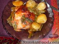 Фото к рецепту: Курица, запеченная в томатном соусе