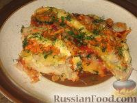Фото к рецепту: Судак под овощами