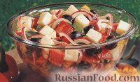 Фото к рецепту: Салат из болгарского перца, лука, сыра и оливок
