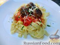 Фото к рецепту: Фетучини с фрикадельками