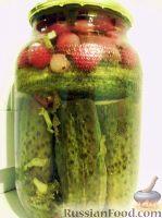 Фото к рецепту: Маринованные огурчики с крыжовником