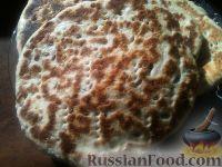 Фото к рецепту: Пышные лепешки с семенами льна