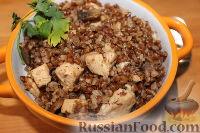 Фото к рецепту: Гречка с мясом и грибами (в мультиварке)